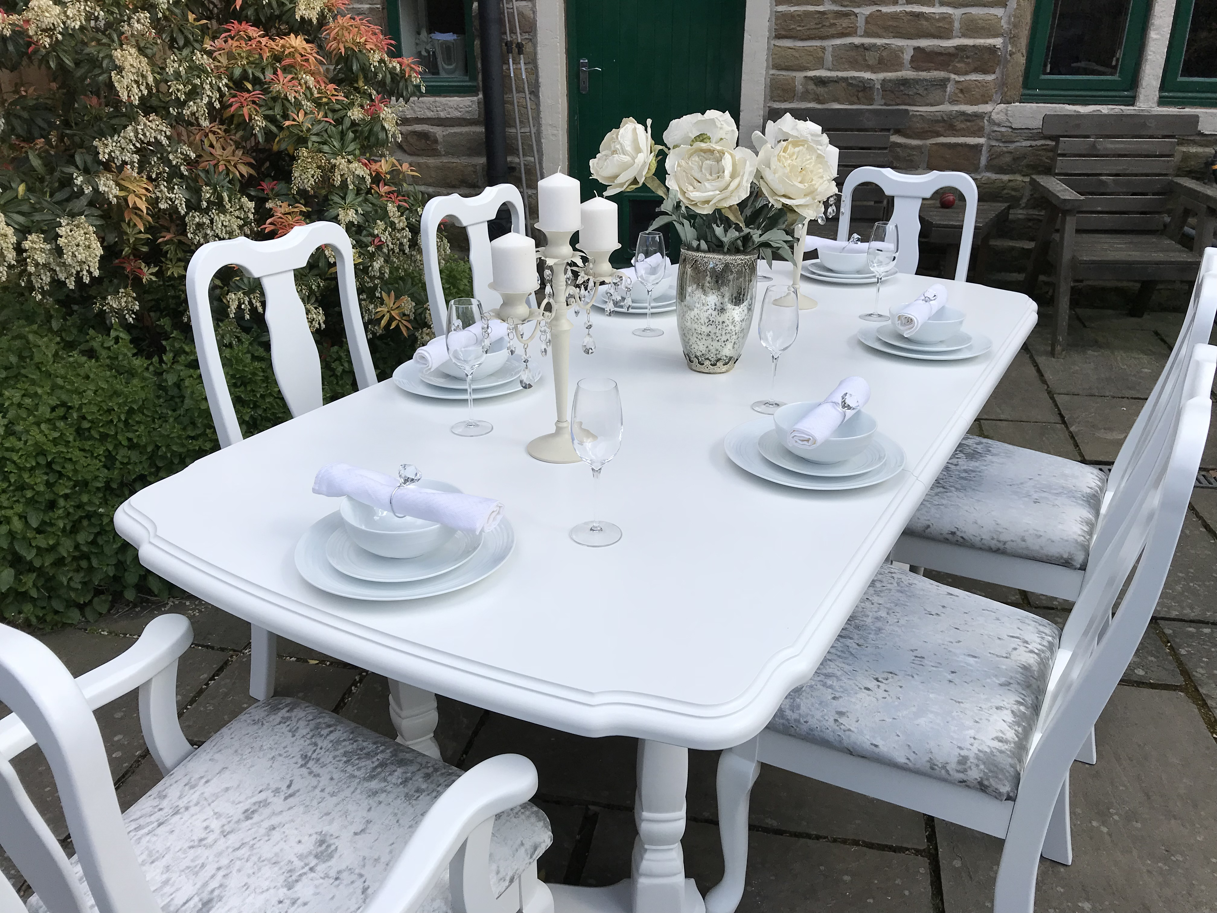 French Chic Bergere Dining Set