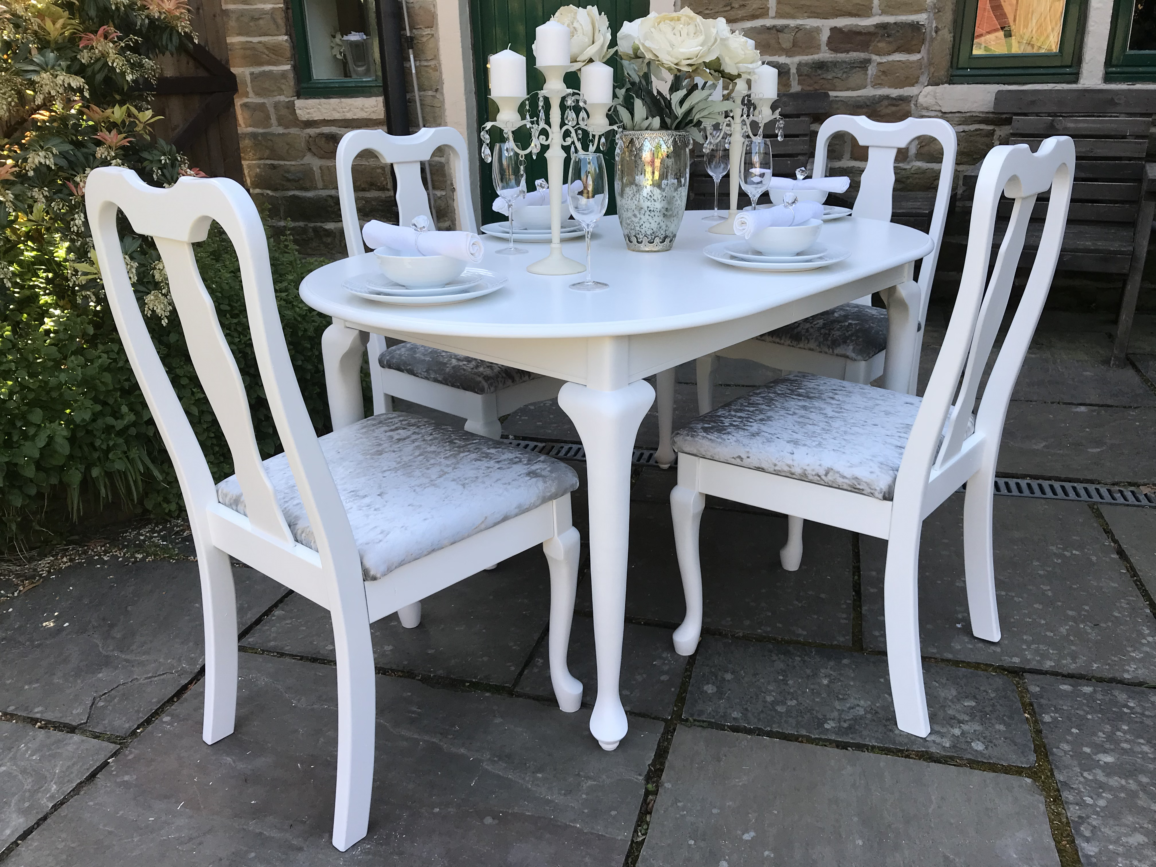 Queen Anne Dining Table & 4 Chairs