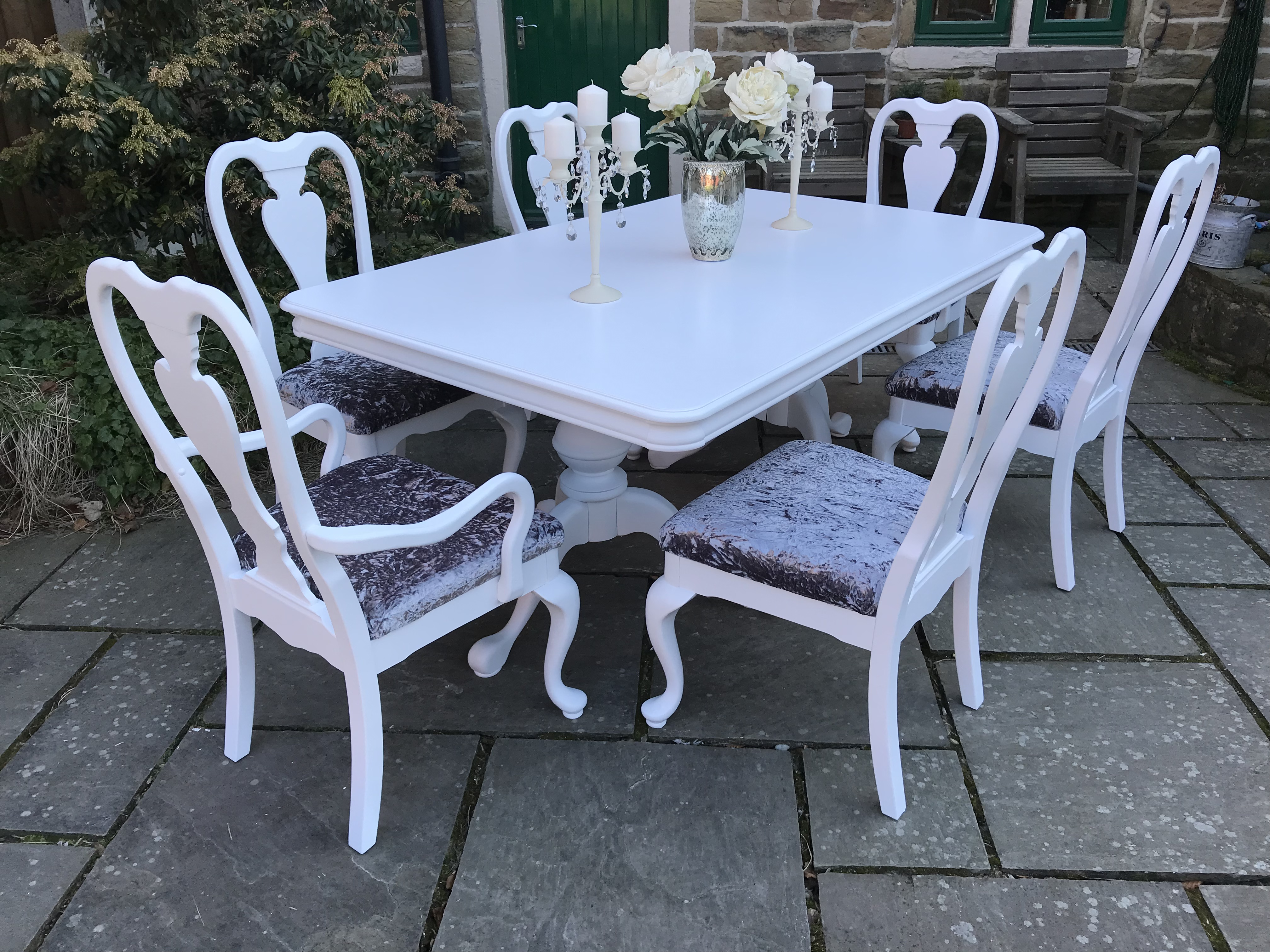 Vintage Dining Table & 6 Queen Anne Chairs