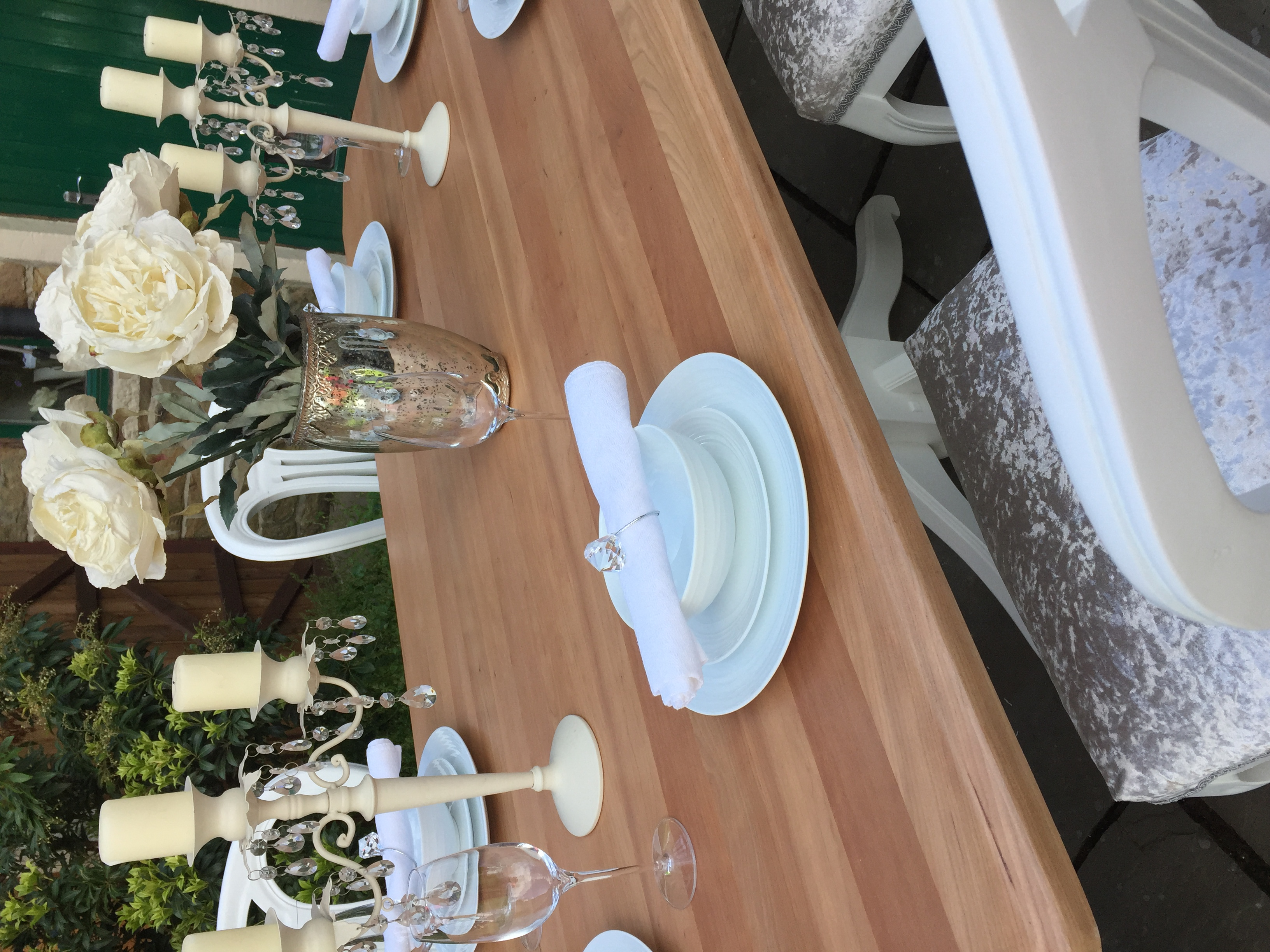 Immaculate Vintage Dining Table & 6 Chairs