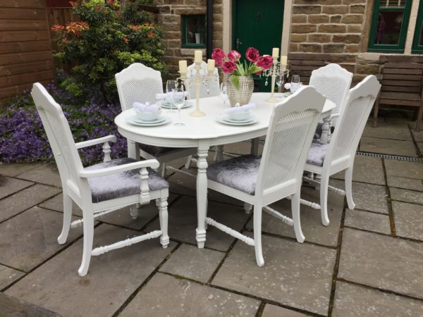 Bergere Extending Dining Table & 6 Rattan Backed Chairs