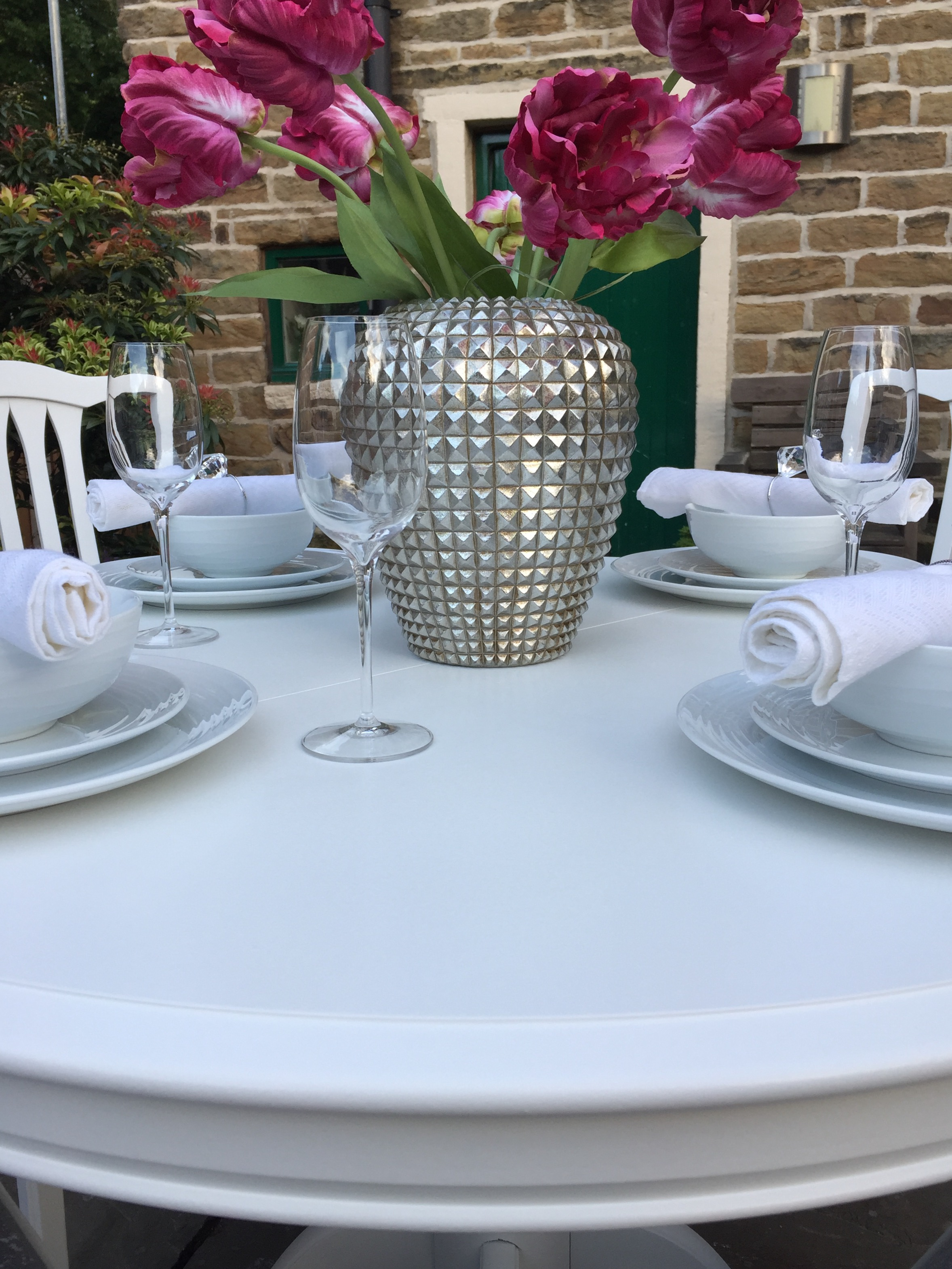 Extending Round Dining Table & 4 Chairs