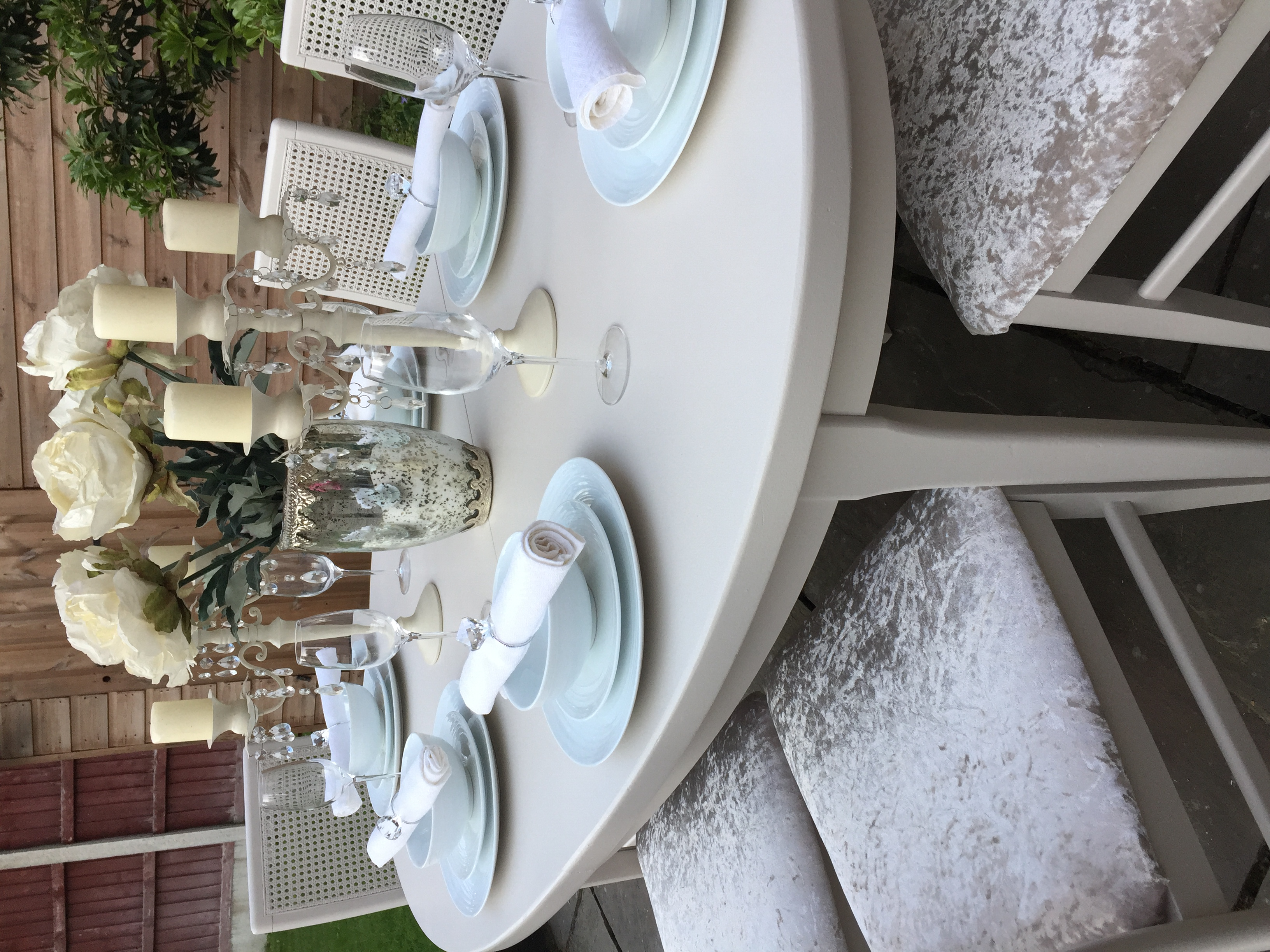 French Chic Extending Dining Table & 6 Rattan Chairs