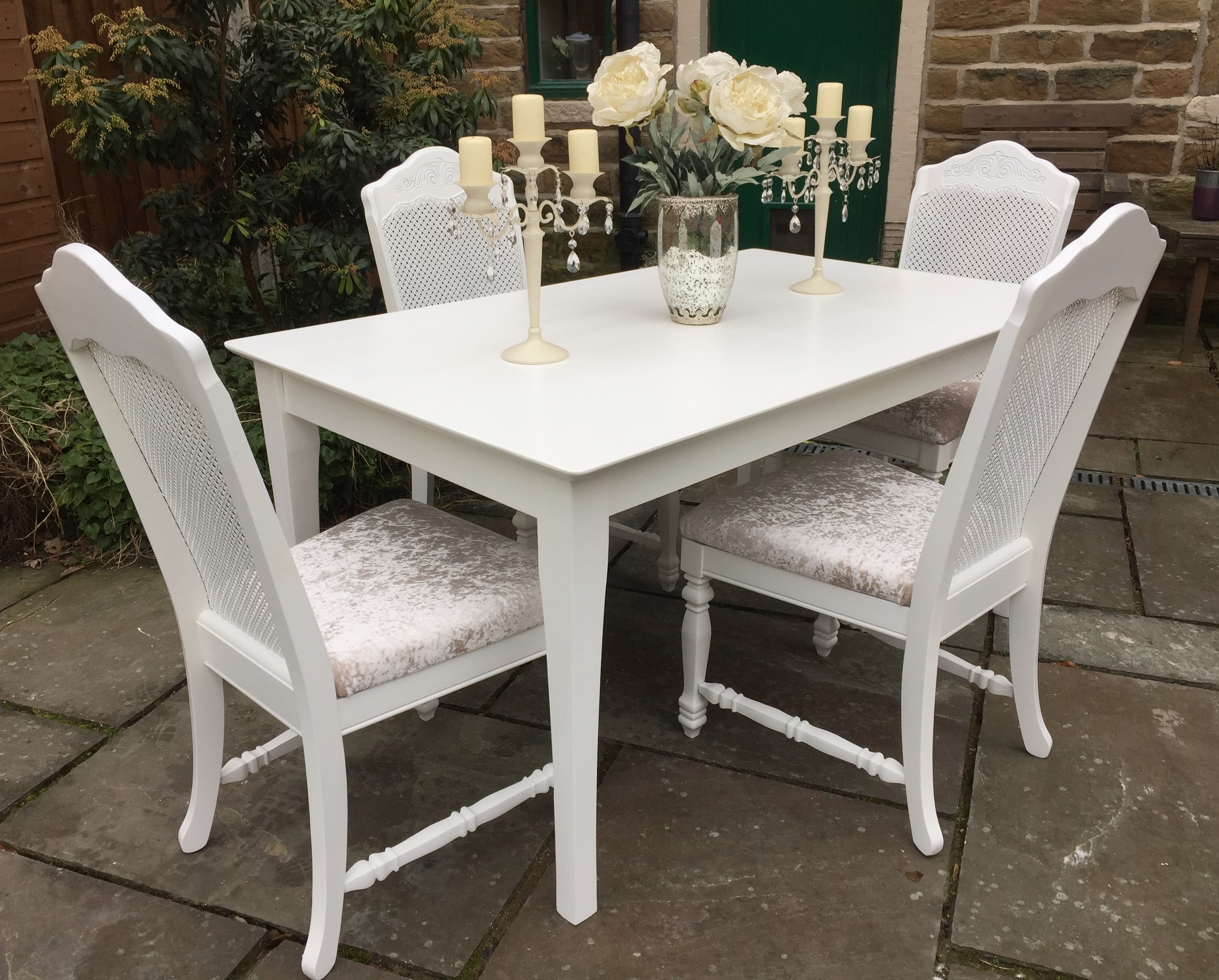 French Chic Dining Table & 4 Bergere Chairs