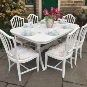 Vintage Extending Dining Table & 6 Chairs